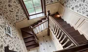 Деревянные лестницы в дом или квартиру